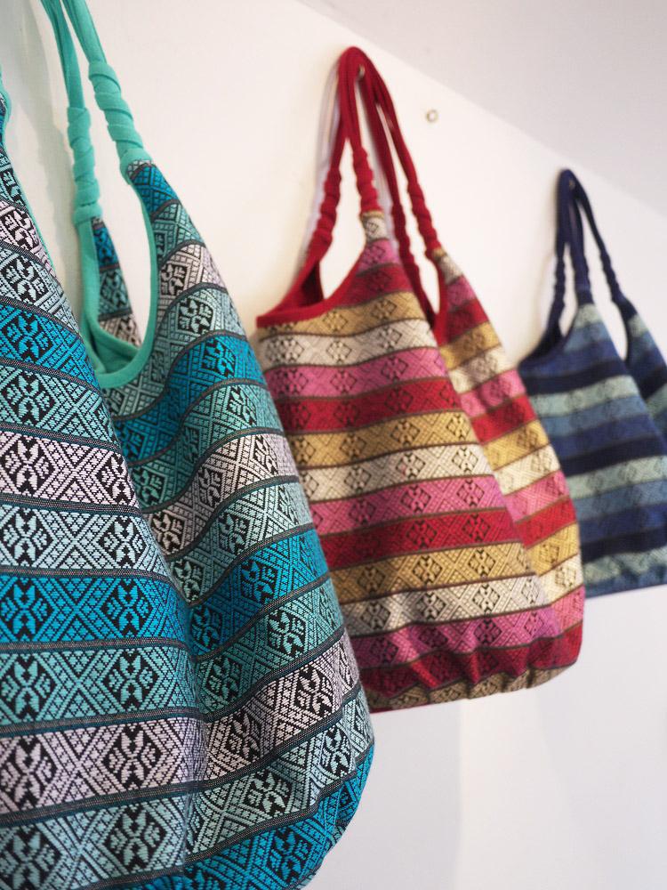 3 shoulder bags