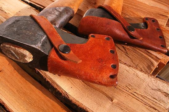 斧の革ケース