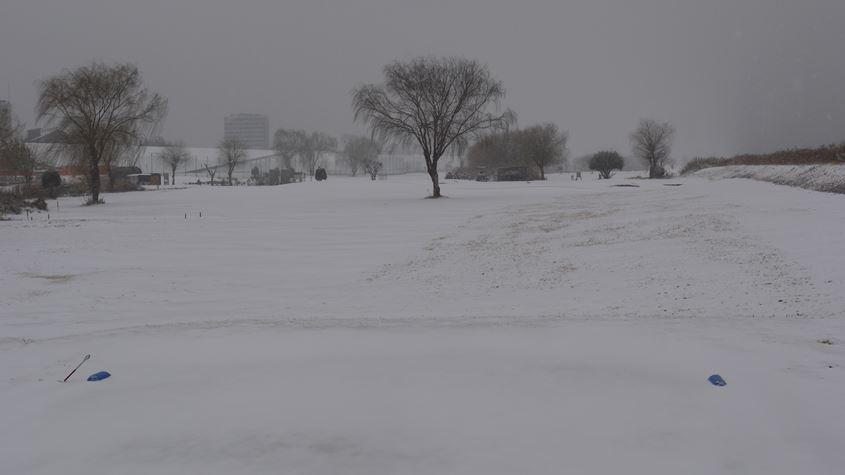 8日積雪2番ホール