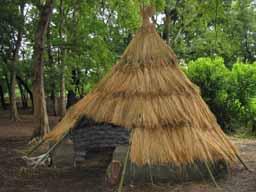 藁のピラミッド