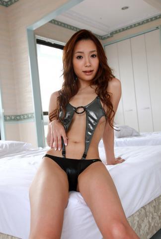 ayaka_fujikita_dgc1006.jpg