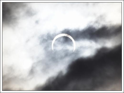 12.05.21 金環日食 006