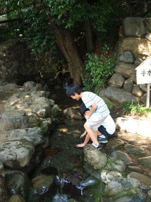 昭島諏訪神社湧水