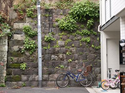 01荒木町壁