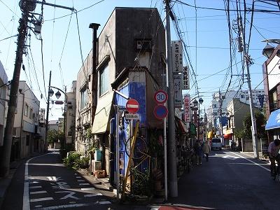 和田商店街角