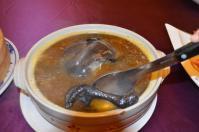 北海宴會館の宴会コース「うこっけいスープ」の脚