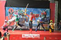 戰隊系列x假面騎士SPECIAL LIVE in Taiwan粉絲見面會@板橋大遠百でシンケンジャーポーズ2