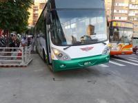 道路陥没で穴に落ちたバス3