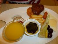 天母高島屋3F親子餐廳のお子様ハンバーグプレート