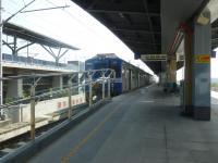 台鉄沙崙站で停車する区間車1129