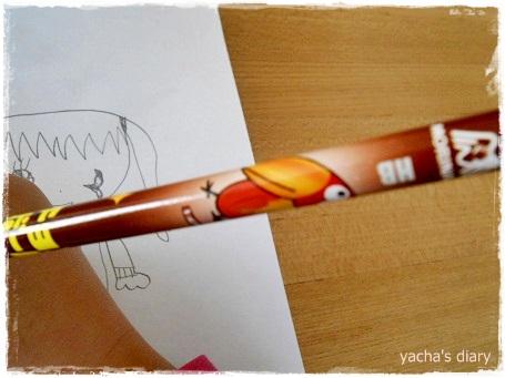 20121216キョロちゃん鉛筆使って