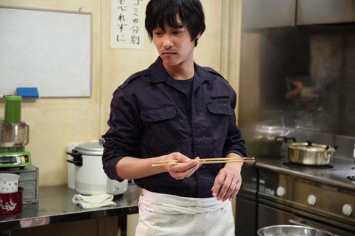 料理担当西村(堺雅人さん)