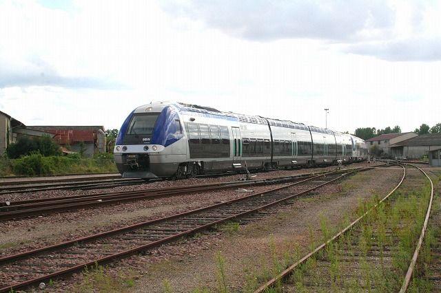 プロバン到着した列車