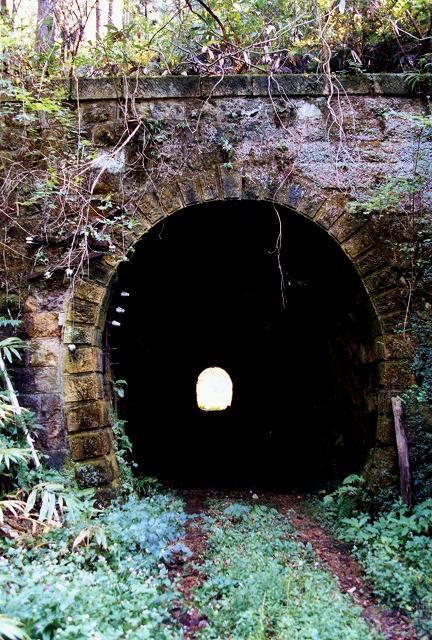 10尾鉄廃線トンネル139