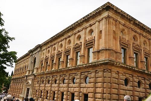 カルロス5世宮殿1