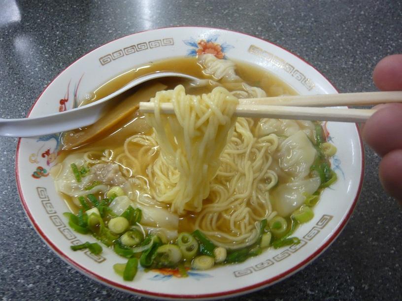 麺の箸上げ
