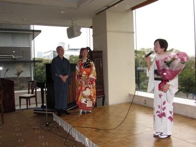04結婚10年記念パーティーにて、敬子さんのお母さん 元気元気