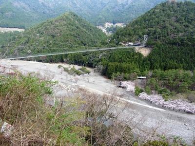 06十津川村谷瀬の吊り橋297m54m日本一だそうです