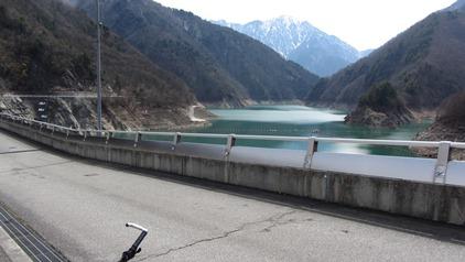 大町ダム湖
