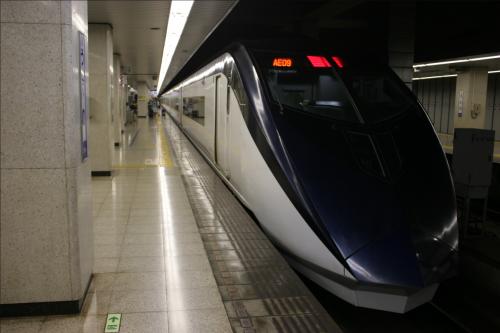 京成線 スカイライナー 上野駅にて