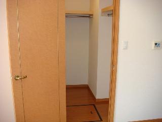 カーサ・アルスール 101号室 WIC①