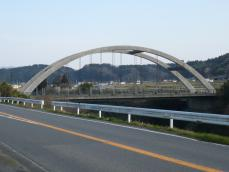支所近くの橋