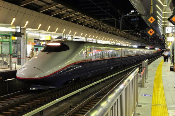 2012年10月20日 JR東日本東北新幹線 東京 E2系N10編成 Suicaペンギンラッピング