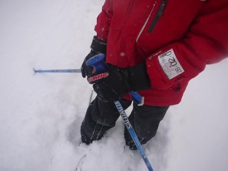 深雪で足腰ブルブル…