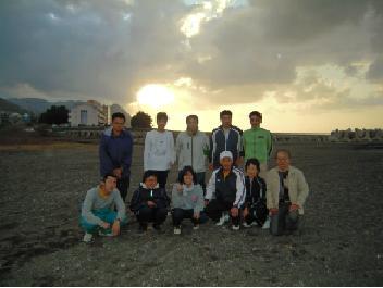 糸魚川にて新潟大学との河川研究