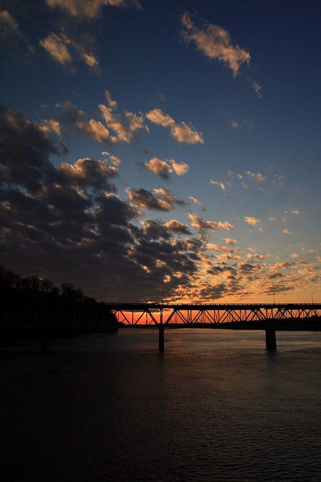 Full-409-ONeal-Bridge-on-the-Tennesse.jpg