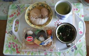 母の昼ごはん