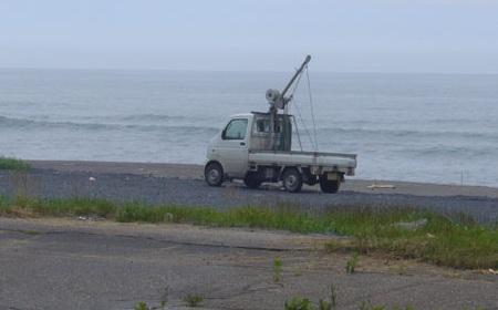クレーン付きの軽トラック