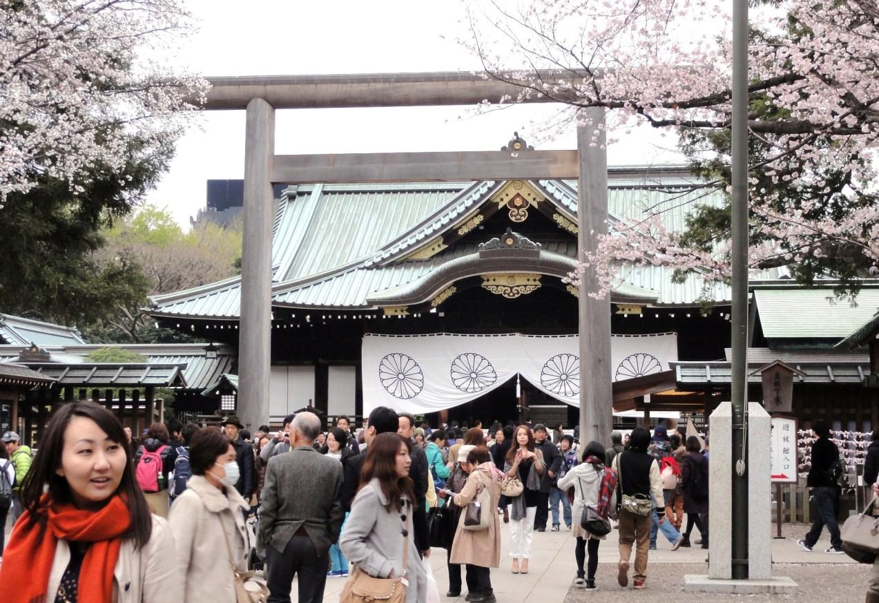 桜咲く靖国神社