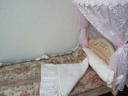 ドール用ベッド01