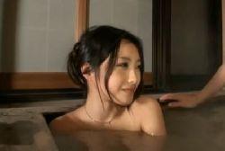 某芸能人に似ている若妻と混浴でエッチな事をさせちゃいます