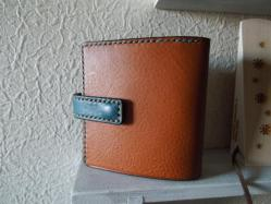 ミネルバボックスの二つ折り財布