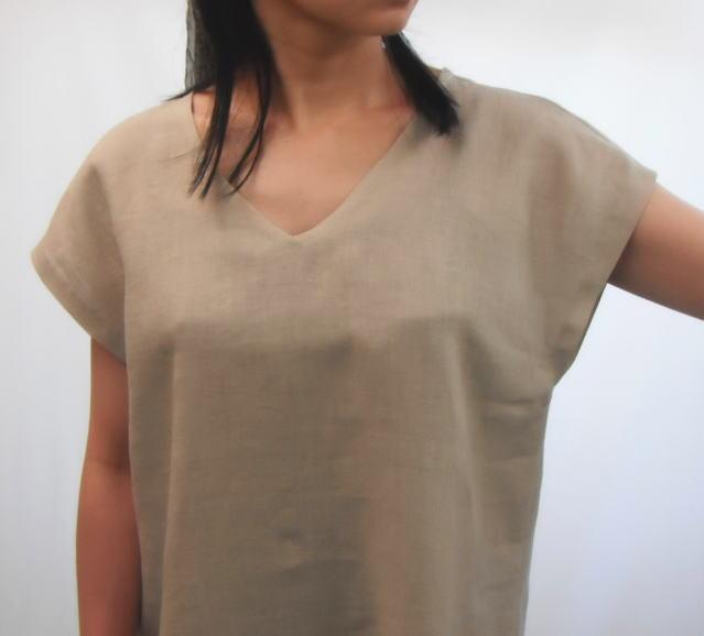 V衿のフレンチ袖