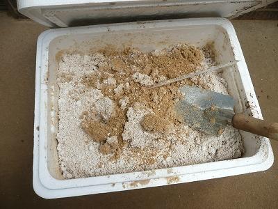 数日間放置してしまった米ぬかと納豆をブレンドしたもの