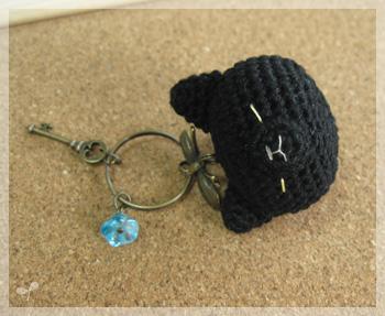 真っ黒な黒猫さんヘッドキーホルダー