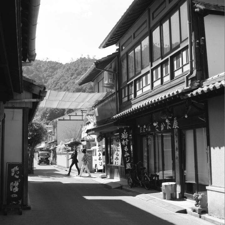 Miyajima_20121009_Rolleiflex28F_Acros_.jpg