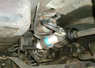 20050220_250CE燃料ポンプ漏れ2