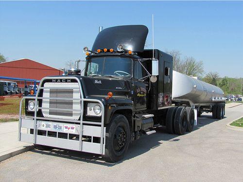 rubberduck_truck1.jpg
