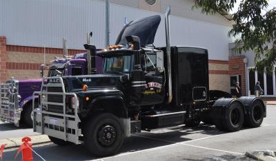 rubberduck_truck_replica.jpg
