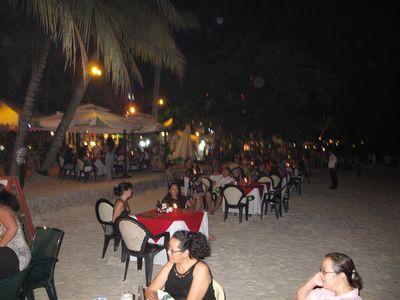ビーチレストラン