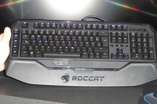 Roccat_Ryos_MK_Pro_02.jpg