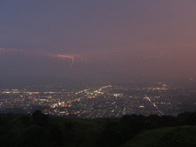 若草山の雷鳴