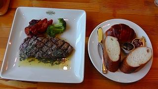 千本松牧場のステーキ