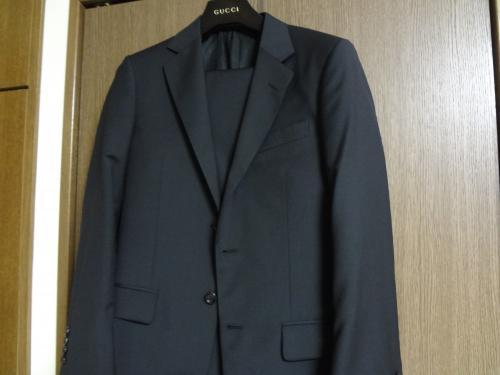 GUCCI 2Bスーツ