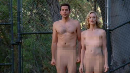 Yvonne Strahovski  Chuck  nude ( censored )  (3)
