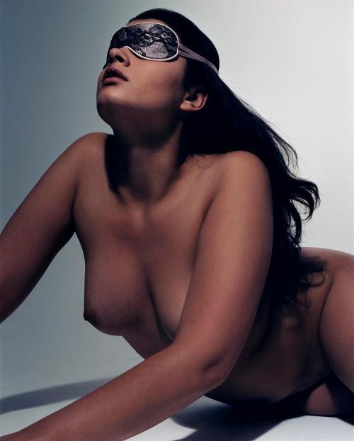 Crystal Renn Vogue Paris March 2012 PS (6)